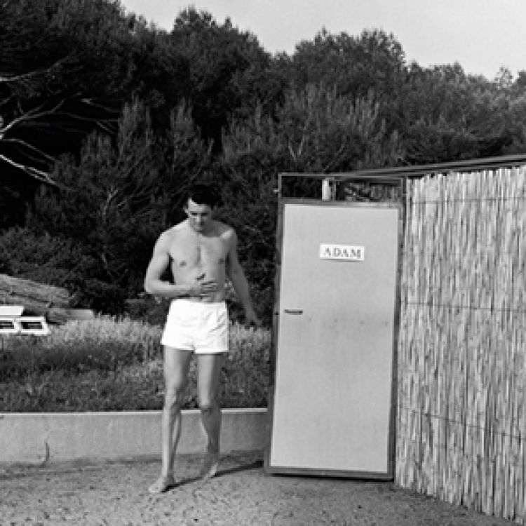 Rock Hudson on vacation at the Hotel Eden Roc at Cap d'Antibes, Cap d'Antibes 1954 Photo © edwardquinn.com