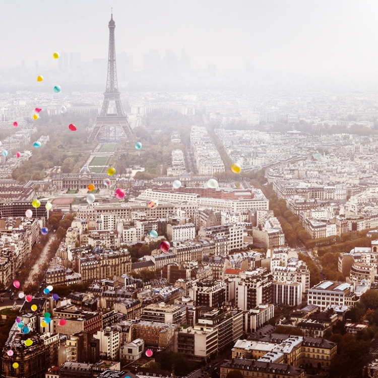 BALLONS OVER PARIS, 2016, Photo © 2016 David Drebin. All rights reserved. www.daviddrebin.com