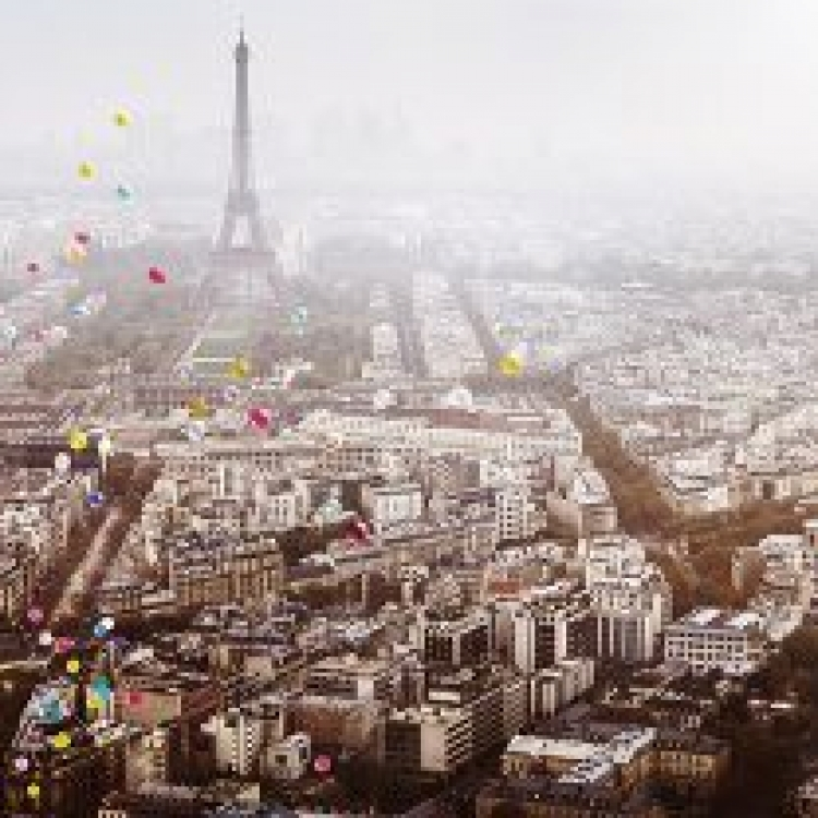 © Dreamscapes by David Drebin, published by teNeues, www.teneues.com. BALLONS OVER PARIS, 2016, Photo © 2016 David Drebin. All rights reserved. www.daviddrebin.com