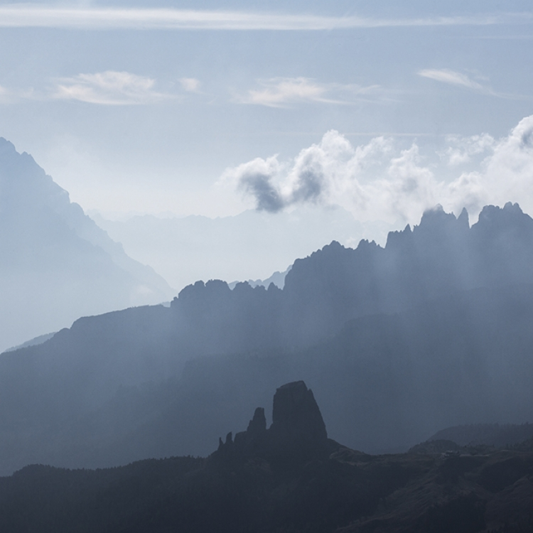 © Mountains - Beyond the Clouds by Tim Hall, to be published by teNeues in September 2016, www.teneues.com, Antelao, Dolomites, Photo © 2016 Tim Hall. All rights reserved. www.timhallphotography.com