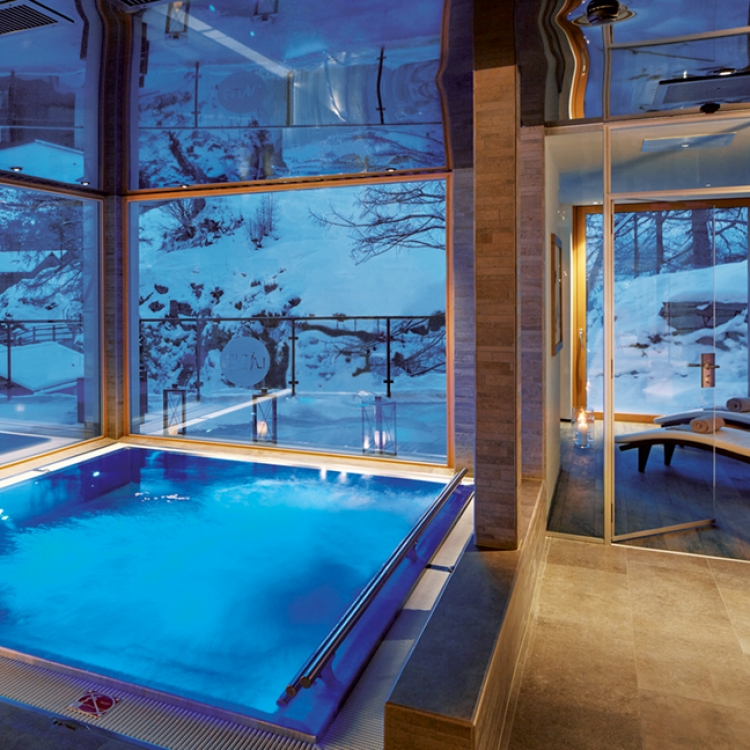 © EIGHTY FOUR ROOMS - A UNIQUE COLLECTION OF THE MOST STYLISH & INDIVIDUAL BOUTIQUE HOTELS - ALPINE EDITION, to be published by teNeues in November 2016, € 49,90, www.teneues.com. La Vue, Zermatt, Switzerland, Photo © 2016 Sebastian Schöllgen. EIGHTY FOUR ROOMS GbR. www.eightyfourrooms.com