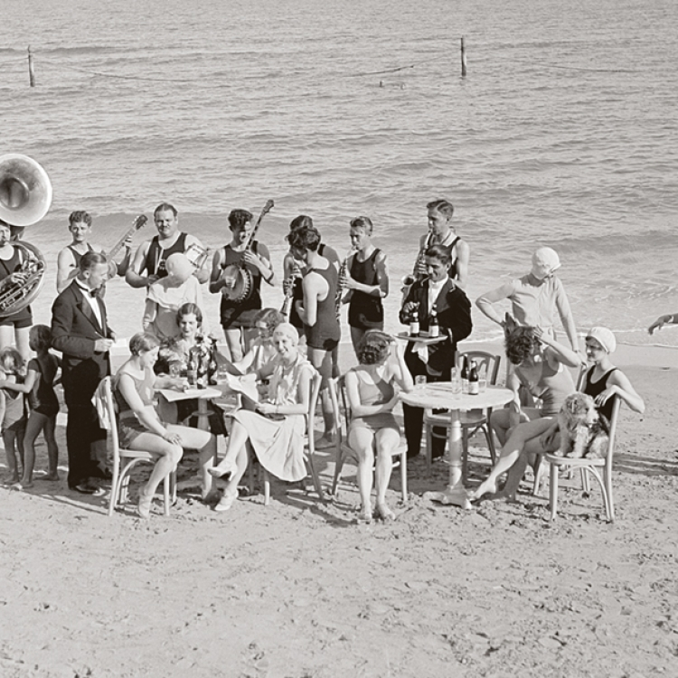 © Zeitreisen - Legendäre Orte, Routen und Momente, erscheint im April 2017 bei teNeues, € 49,90, www.teneues.com. Jazzparty in Miami Beach, 1930, Photo © Bettmann Archive/Getty Images. Usage on conditions above till February 23, 2020, afterwards to be requested at Getty, image fee will be invoiced directly from them.