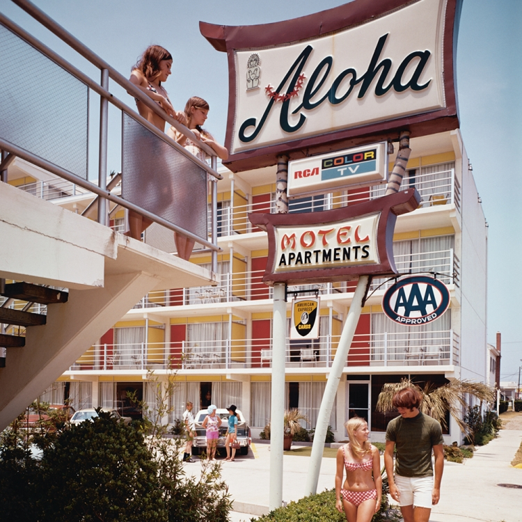 © Zeitreisen - Legendäre Orte, Routen und Momente, erscheint im April 2017 bei teNeues, € 49,90, www.teneues.com. Das Aloha Motel an der Atlantikküste in North Wildwood, New Jersey, 1960er-Jahre, Photo © Eric Bard/Corbis via Getty Images. Usage on conditions above till February 23, 2020, afterwards to be requested at Getty, image fee will be invoiced directly from them.