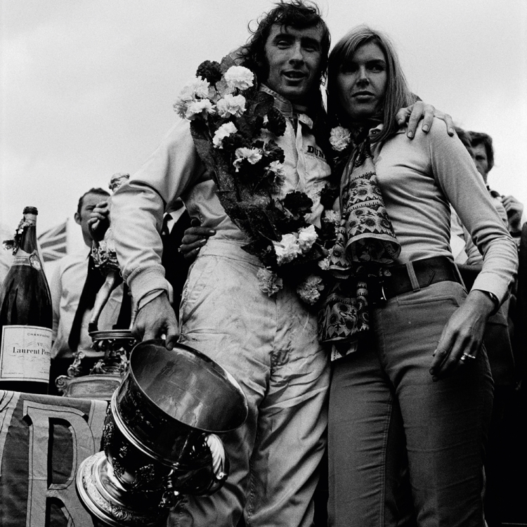 © The Golden Age of Formula 1 by Rainer W. Schlegelmilch, Small Format Edition, to be published by teNeues in February 2017, www.teneues.com 1969 GP Great Britain (Silverstone), Jackie Stewart, Helen Stewart, Photo © 2017 Rainer W. Schlegelmilch. All rights reserved.