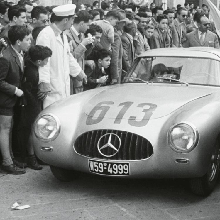 Premiere in Italy. At the Mille Miglia in 1952, the legendary Mercedes-Benz 300 SL makes its first appearance and Rudolf Caracciola, the great racing star of the 1930s, makes his last, Photo © Marianne Fürstin zu Sayn-Wittgenstein