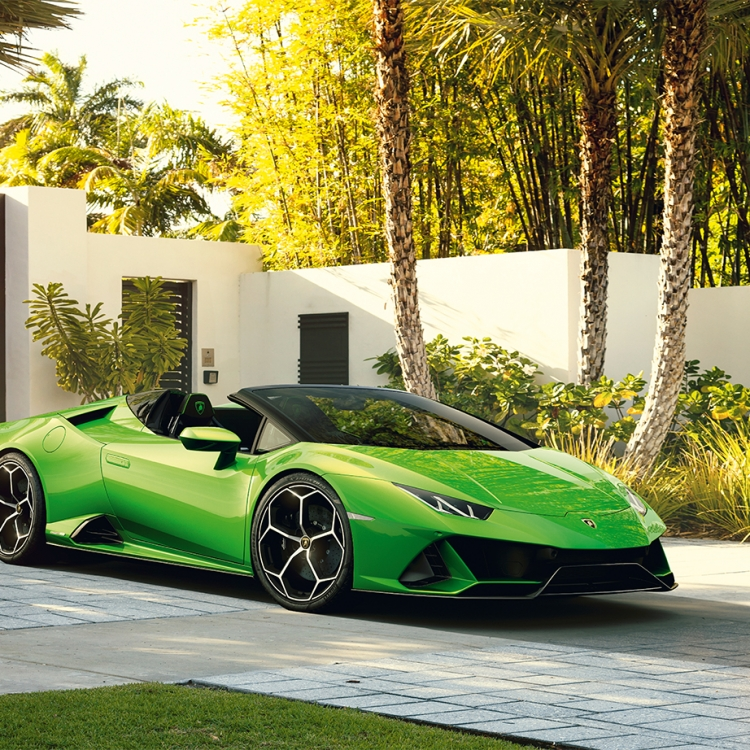 © Ultimate Toys for Men New Edition edited by Michael Görmann, to be published by teNeues in August 2019, www.teneues.com, Lamborghini, HURACÁN EVO, Photo © Automobili Lamborghini