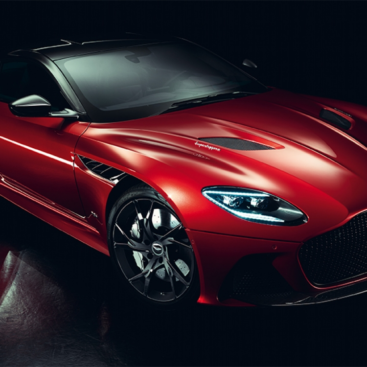 © Neo Classics by René Staud & Jürgen Lewandowski, to be published by teNeues in September 2019, www.teneues.com, ASTON MARTIN DBS SUPERLEGGERA, SINCE 2018, Photo © 2019 Staud Studios GmbH, Leonberg, Germany. www.staudstudios.com. All rights reserved.