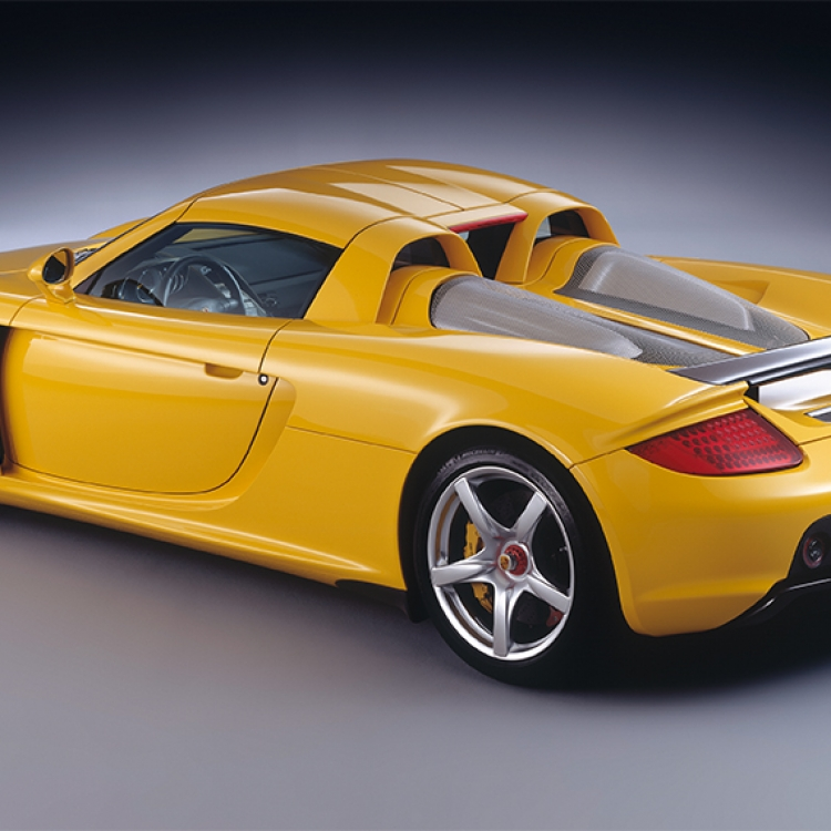 © Neo Classics by René Staud & Jürgen Lewandowski, to be published by teNeues in September 2019, www.teneues.com, PORSCHE CARRERA GT, 2003-2006, Photo © 2019 Staud Studios GmbH, Leonberg, Germany. www.staudstudios.com. All rights reserved.