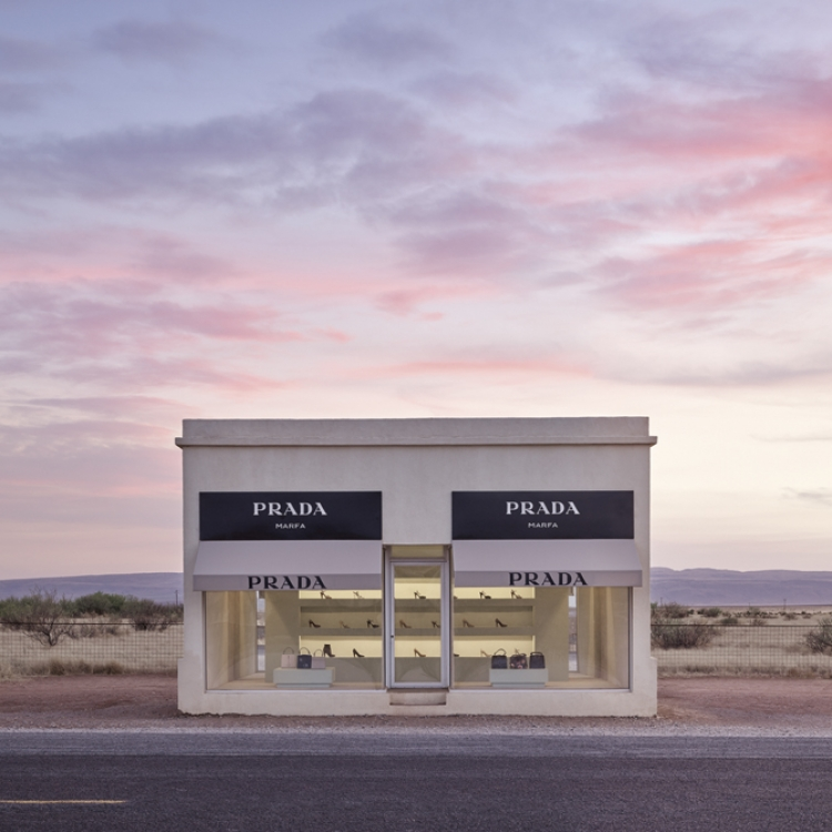 © Collecting Fine Art - The Lumas Portfolio - Vol. IV, published by teNeues, www.teneues.com, Prada Marfa 8:36pm, Photo © Adam Mørk, www.lumas.com
