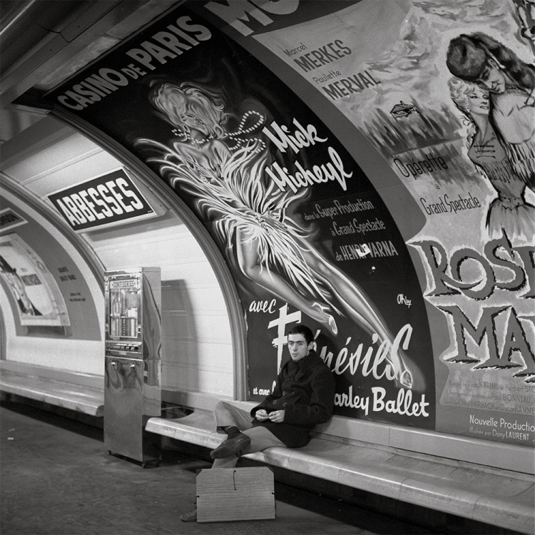Passenger in the metro station Abbesses, circa 1965 Photo © Paul Almasy / akg-images